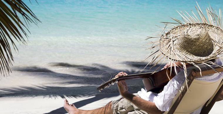 Beach-Guitar-Scene