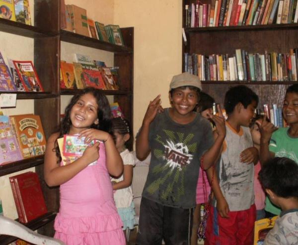 A Reader's Paradise: La Biblioteca de San Agustinillo