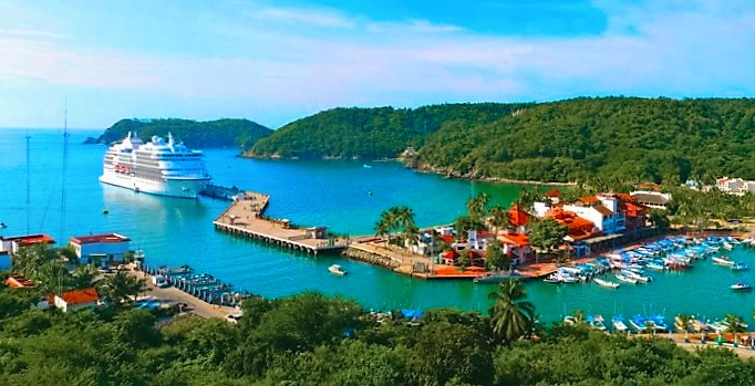 Fonatur: The Birth of Huatulco