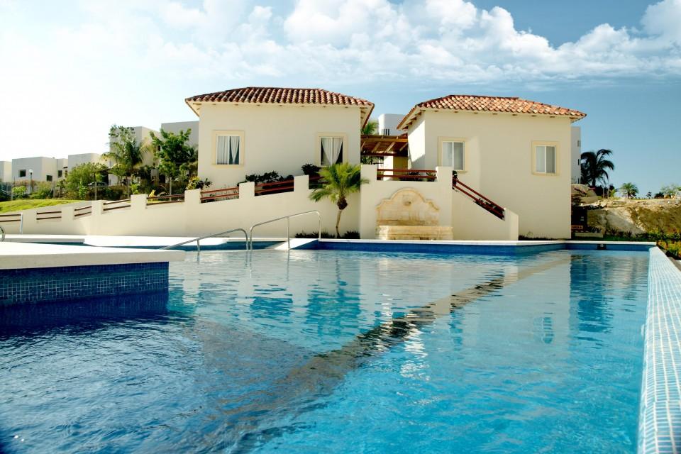 mansiones-pool